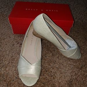 NEW with Box - KELLY & KATIE Wedge Pumps